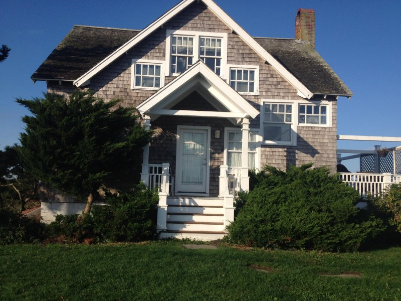 sakonnet point ocean front with private beach, holiday rental in Little Compton