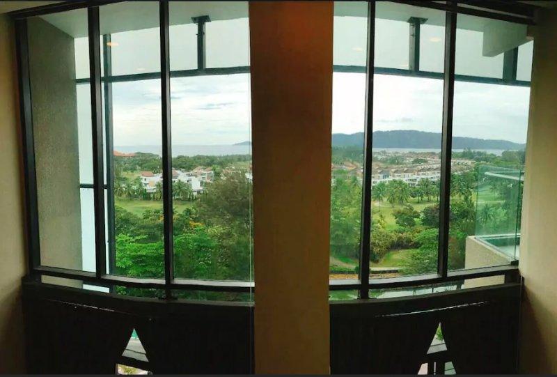 Seaview See Through Window-Upstairs