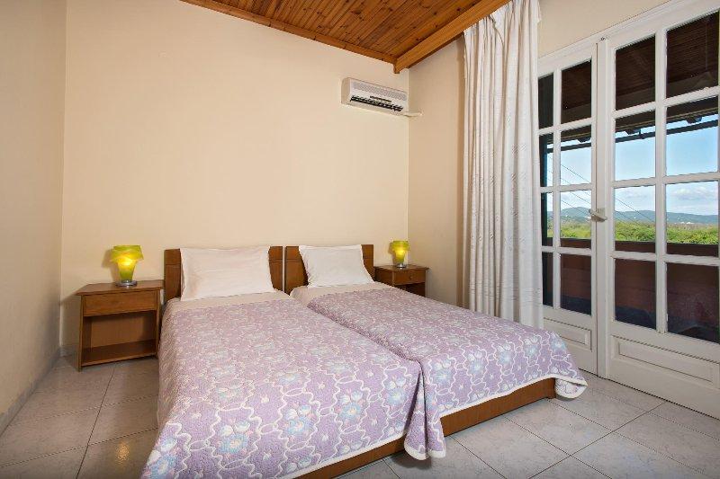 Athina Apartments in Kokkini Corfu, vakantiewoning in Pelekas