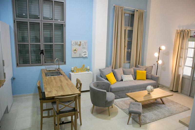 New Luxury Apt - See View - 6 pers, location de vacances à Jaffa