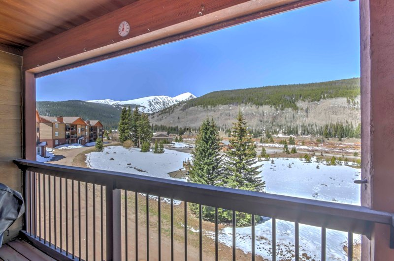 The slopes of Breckenridge are just minutes away!