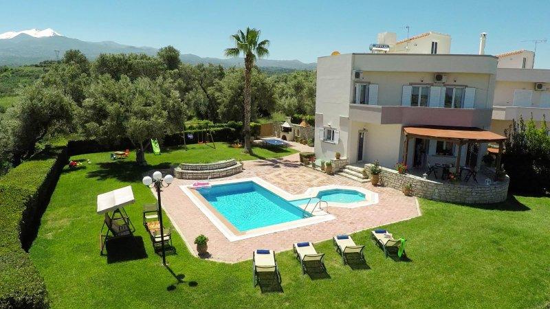Villa Elisabeth - Quiet getaway heaven!, alquiler de vacaciones en Creta