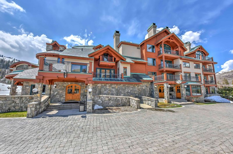 Du kommer att älska att komma hem till detta berg lägenhet i slutet av varje dag!