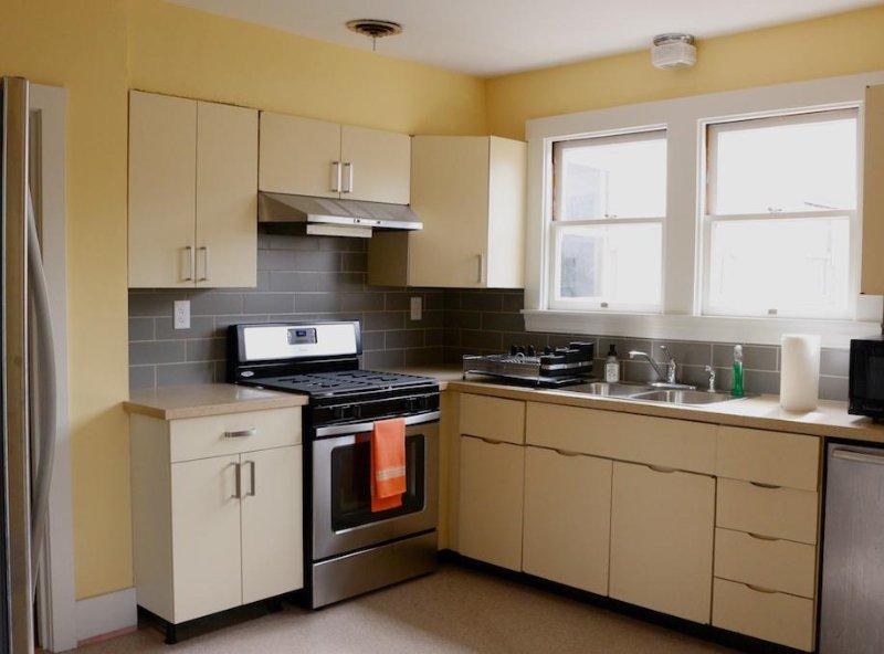 Roestvrij apparatuur: koelkast met ijsmachine, gas oven / fornuis ultra-stille vaatwasser (Bosh)