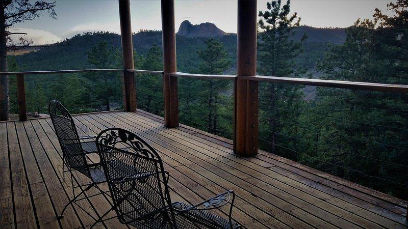 Splendida vista di Thunder Butte, Pecora naso, e Signal Butte