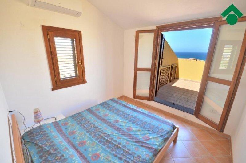 Habitación con cama doble 3