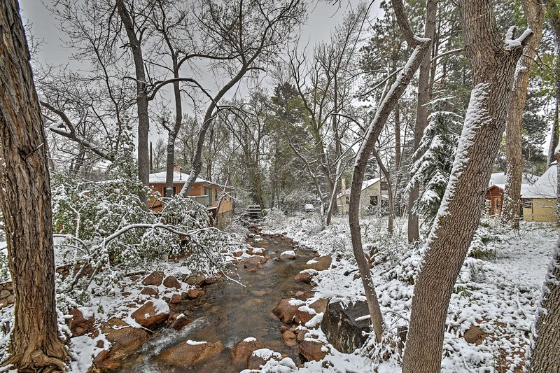 Cozy Colorado Springs Getaway on Mountain Stream!, holiday rental in Fort Carson