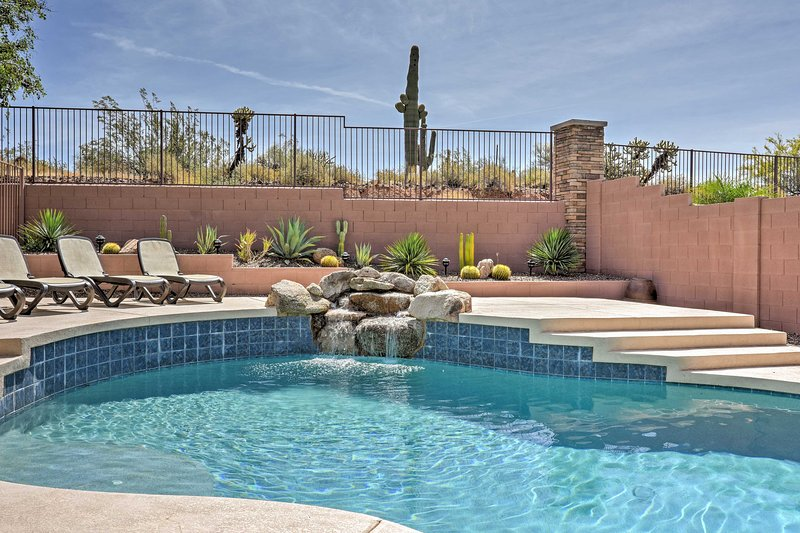 N. Phoenix Home w/ Pool, 13 Mi to Lake Pleasant!, holiday rental in Anthem