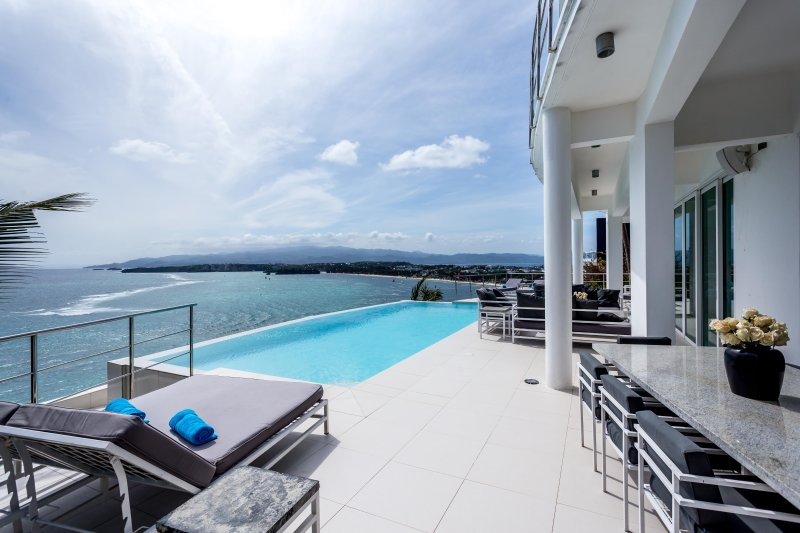The most exclusive villa for rent, an amazing view, casa vacanza a Malay