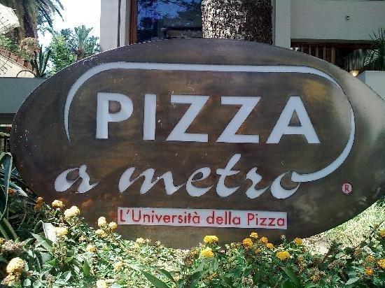 Famoso PIZZA A METRO