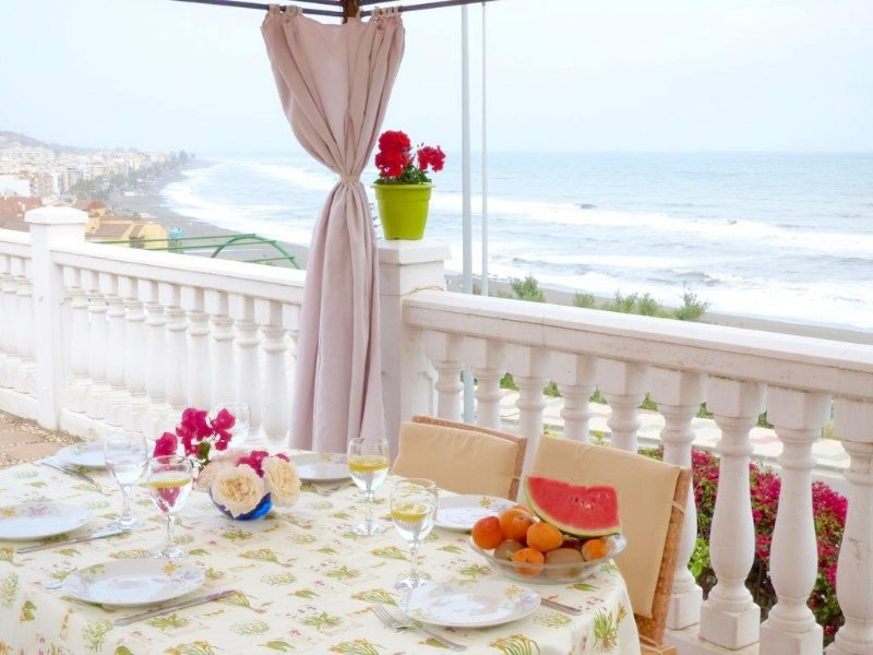 Villa with swimmingpool  200 meters from the Beach, vacation rental in Rincon de la Victoria
