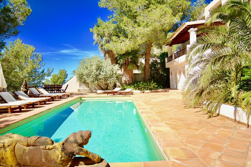 9 bedrooms, 18 to 20 people, Can Blanc, Luxury villa Ibiza, magic place, best ve, holiday rental in San Lorenzo