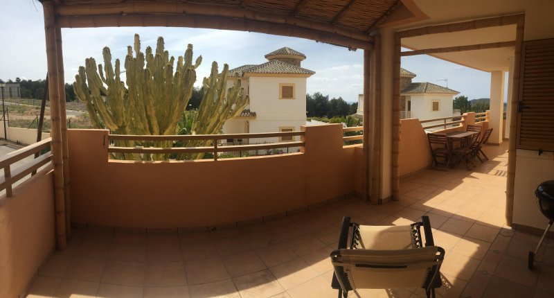 Cosy apartment in a closed urbanisation with swimming pool, holiday rental in Finestrat