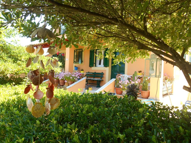 In Villa Nikoli private  apartment  -  AMA 223592, vacation rental in Lefkimi
