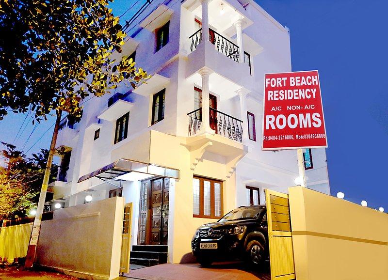 FORT BEACH RESIDENCY, holiday rental in Kochi (Cochin)