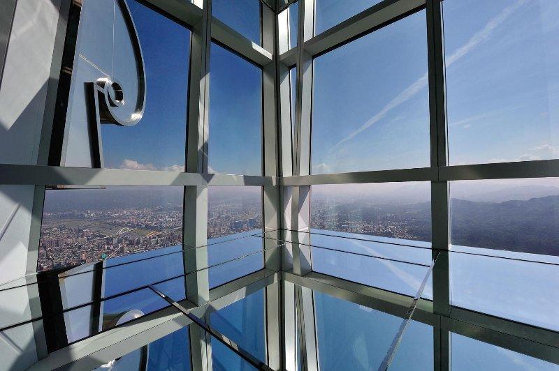 Taipei101's infinity sky observation deck