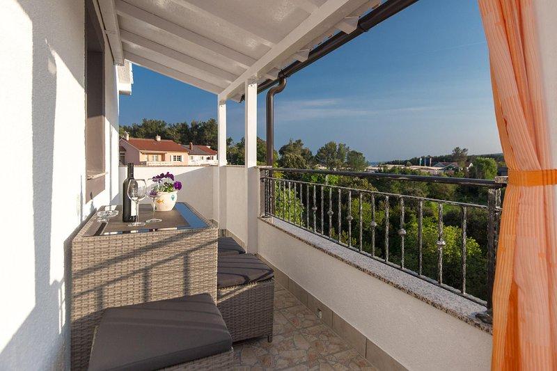 Cozy Apartment Zana in the City of Krk, vacation rental in Merag