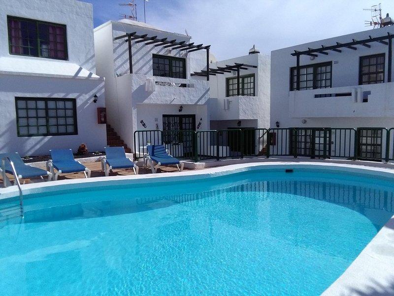 Apartamento SUEÑO DORADO, aluguéis de temporada em Puerto Del Carmen