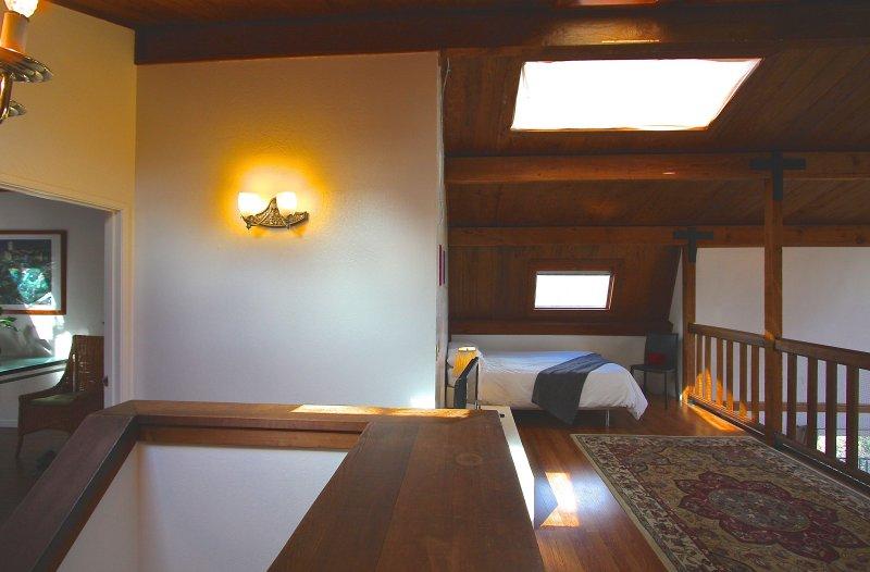 Upper level breezeway to 7th bedroom & '8th room Loft'