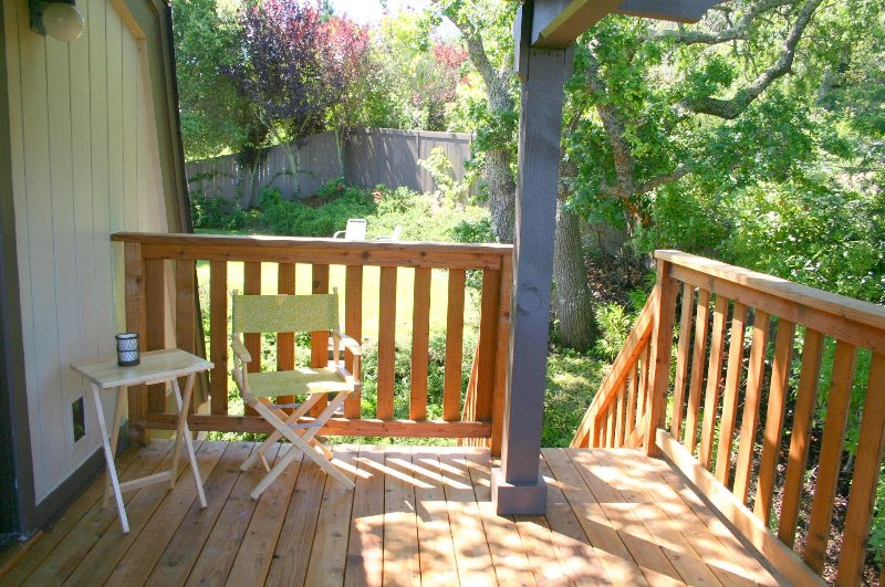 Master balcony has views to front lawn area (& access), and Mountains.