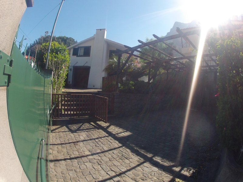 Enjoy it Home (NEGOTIABLE UNTIL 10 PERSON, vakantiewoning in Sao Vicente