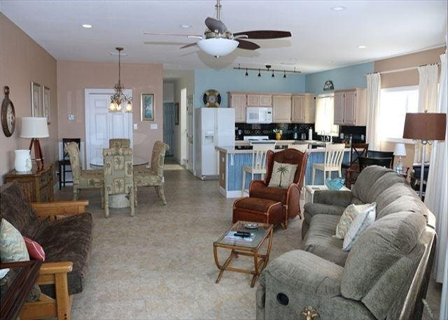 Boat House Living rm / Kitchen / Dinning room