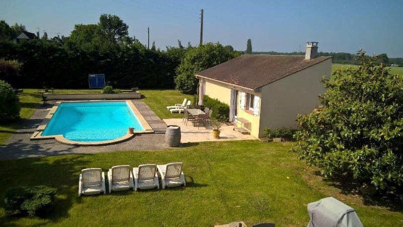 Le  studio Gite Pool House, indépendance et  confort  au  bord  de  la  piscine