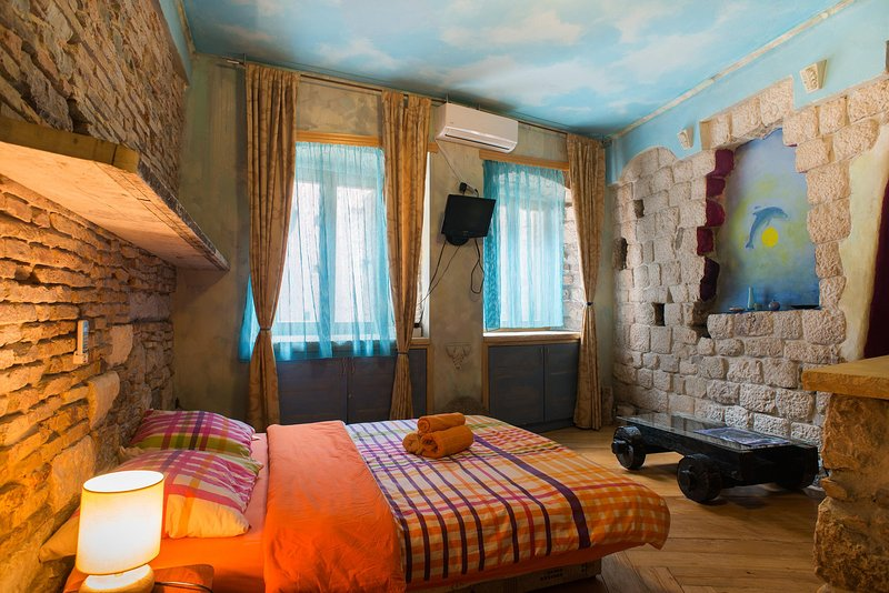 Charming studio in Kotor, vacation rental in Radovici