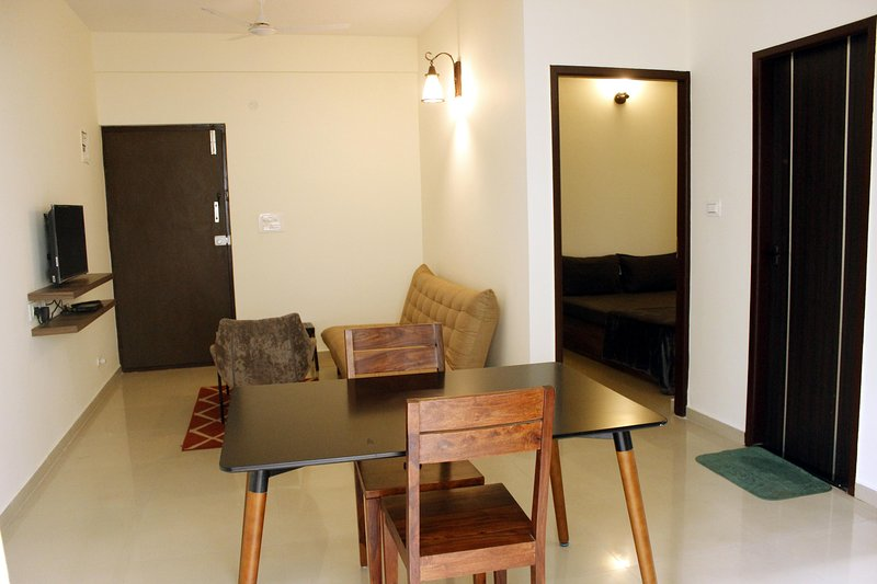 TRANQUIL SERVICED APARTMENTS - Cozy 1BHK with wifi 2A, holiday rental in Harohalli