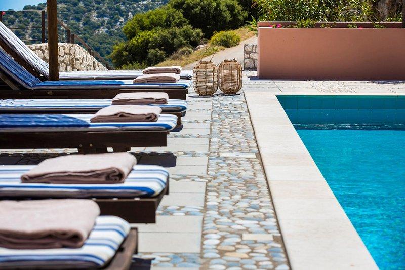 Villa Daphni. Luxury villa in Kefalonia, Greece., aluguéis de temporada em Makriotika
