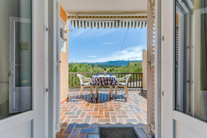 Apartments Bavaria, Vrboska, vacation rental in Hvar Island