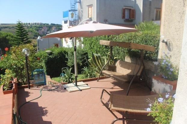 villetta 'clorinda' a schiera indipendente su 2 livelli massimo 6 persone, vacation rental in San Nicola Arcella
