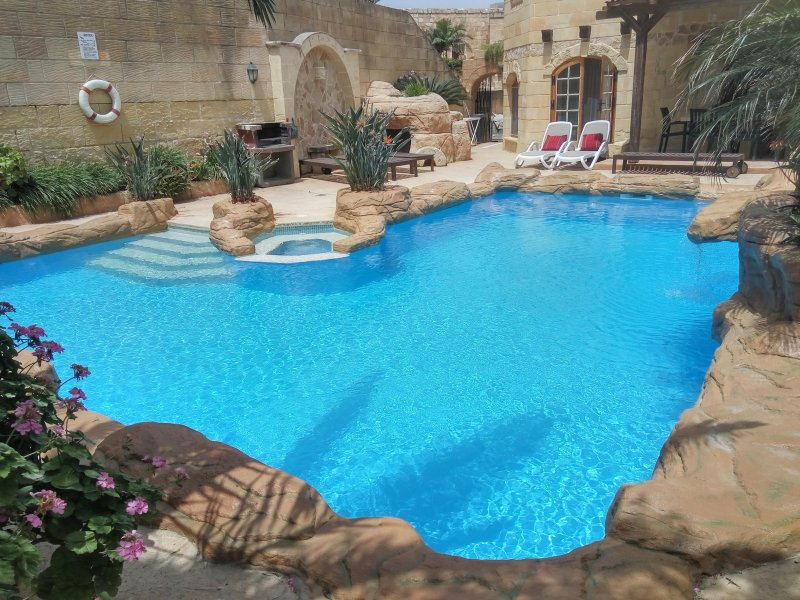 Typical 300 year old Charming Farmhouse, holiday rental in Island of Gozo