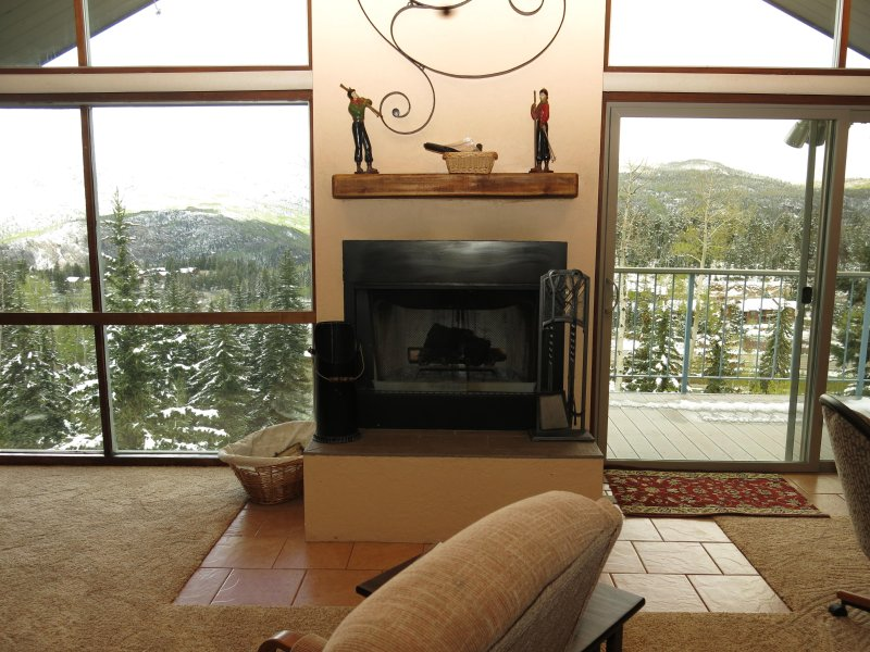 Twilight View Condos Ski-In/Ski-Out Unit E-2, holiday rental in Durango Mountain