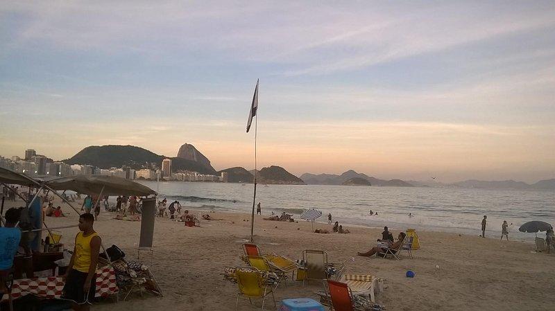 la playa de Copacabana, cerca del apartamento