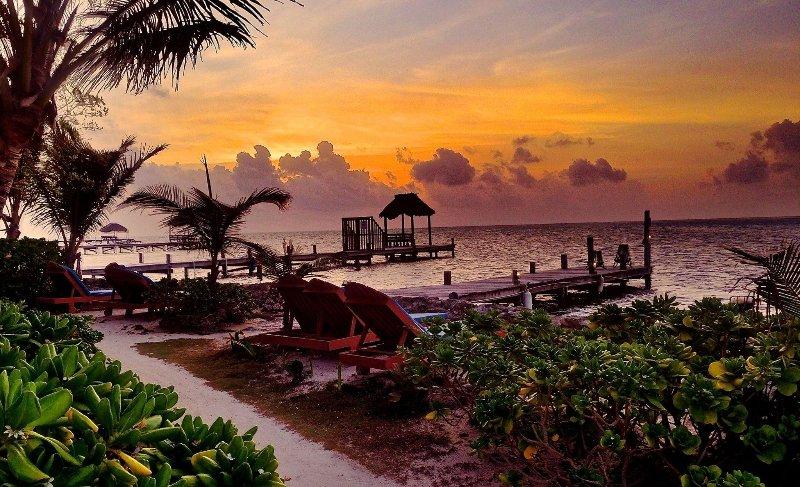 Sunrise face à l'océan