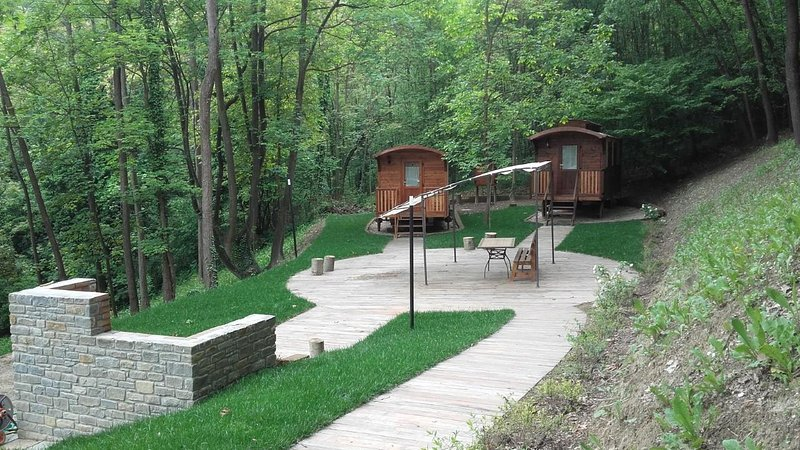 Glamping Area, vacation rental in Santo Stefano Belbo
