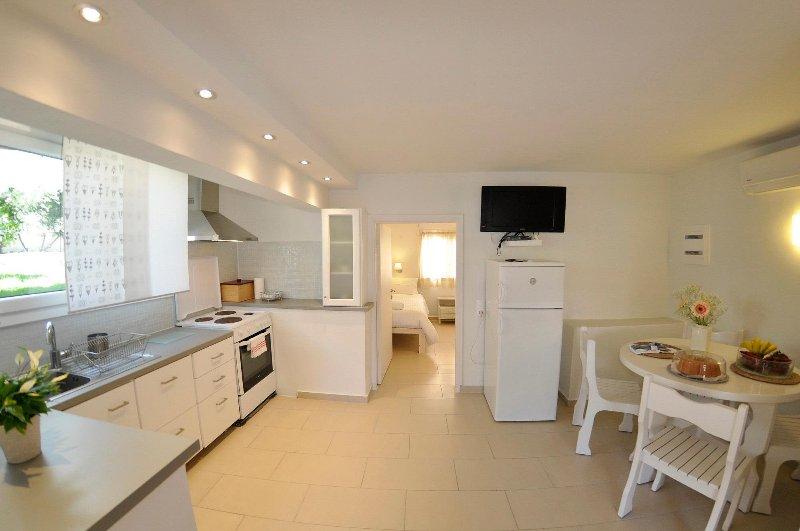 Villa Ava apartment 3, holiday rental in Agios Gordios