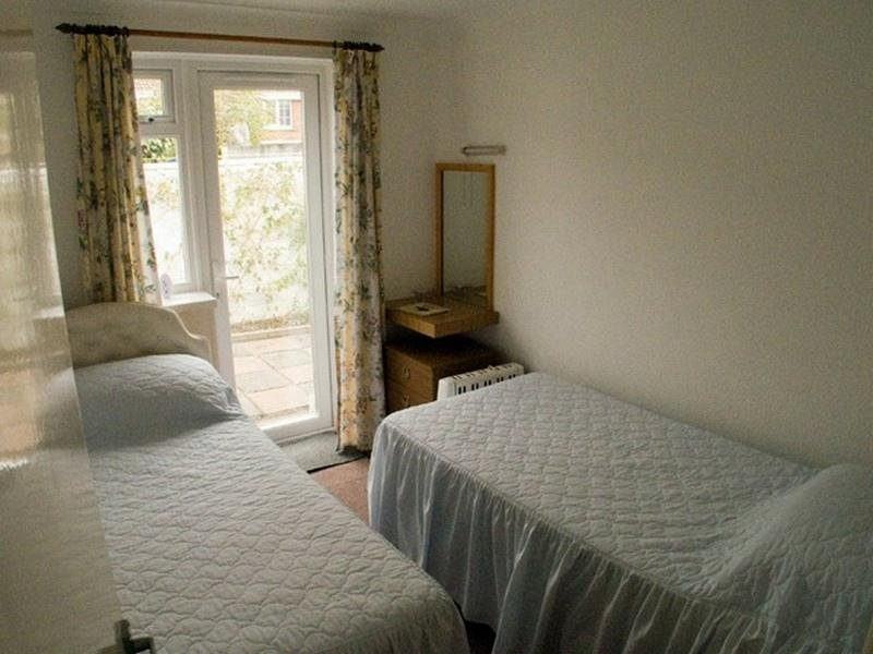 Twin bed, room