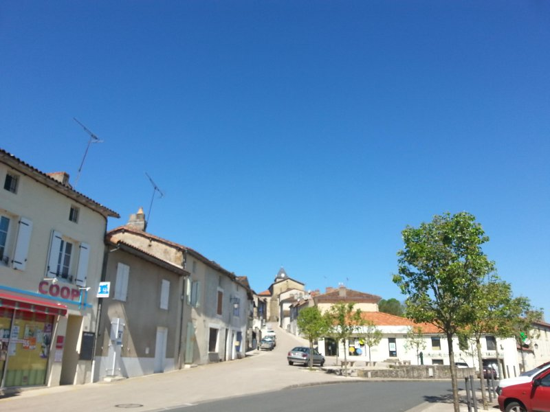Availles123, holiday rental in Millac