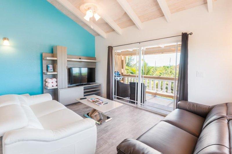 Sea La Vie - 1 Bedroom TL Unit, holiday rental in Long Bay Beach