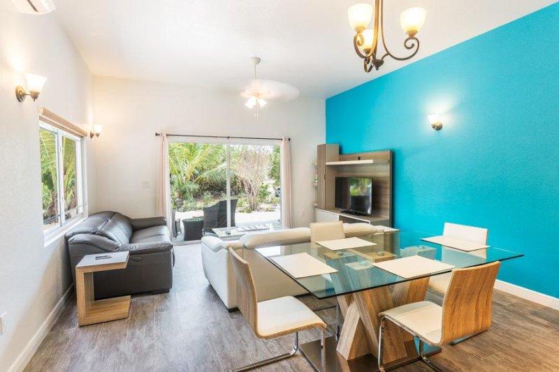 Sea La Vie - 1 Bedroom BL Unit, holiday rental in Long Bay Beach