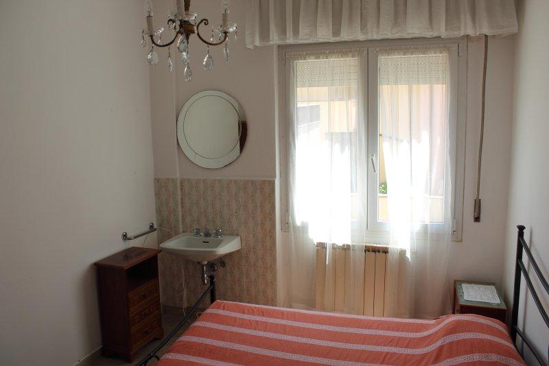 Camera matrimoniale. Double bedroom.