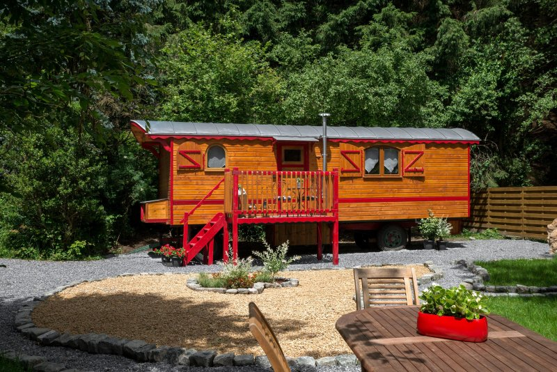 Heart Gypsy Caravan, charming cottage in the heart of the Belgian Ardennes ....