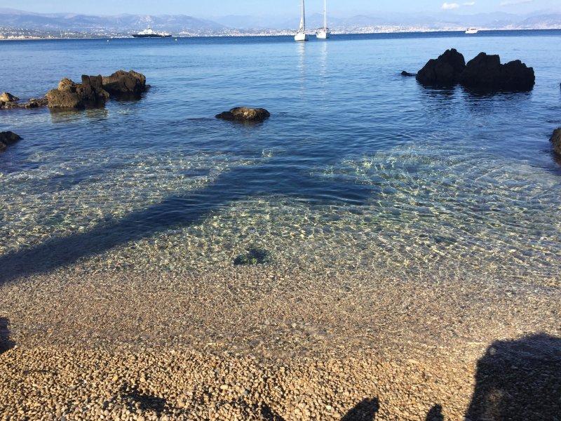 La plage locale à Antibes