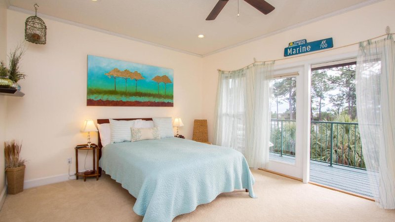Top floor master with beautiful gulf view