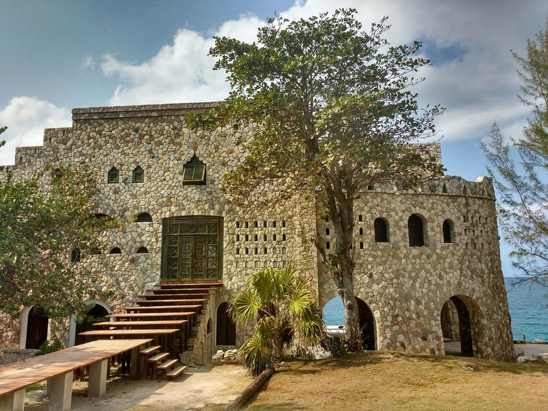 Pattoo Castle, holiday rental in Westmoreland Parish
