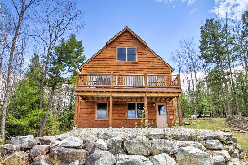 Sua casa em estilo chalé nas montanhas Maine espera!