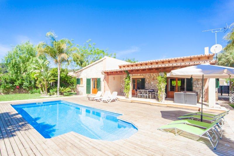 CORREFOC - Villa for 6 people in Crestatx (Sa Pobla), vacation rental in Sa Pobla