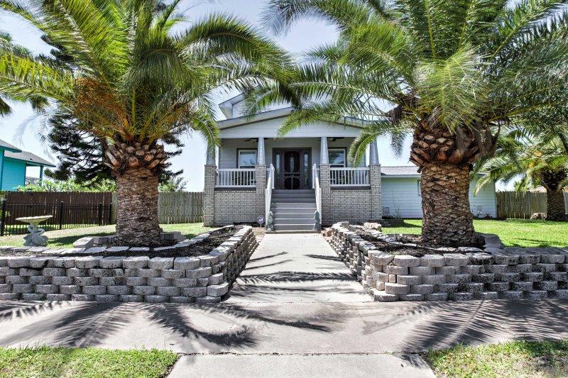 Con sus 1.300 pies cuadrados, esta propiedad es el hogar perfecto lejos de casa.